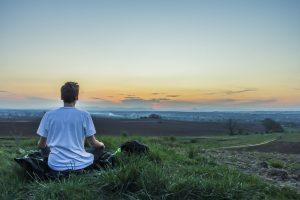 Prendre la parole avec confiance, les conseils d'un expert en méditation